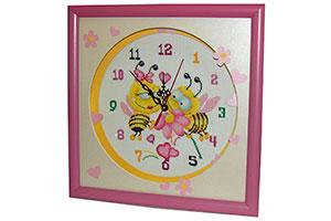 Вышивка часы Пчелки