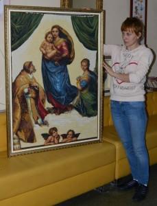 Вышивка Богородица с младенцем